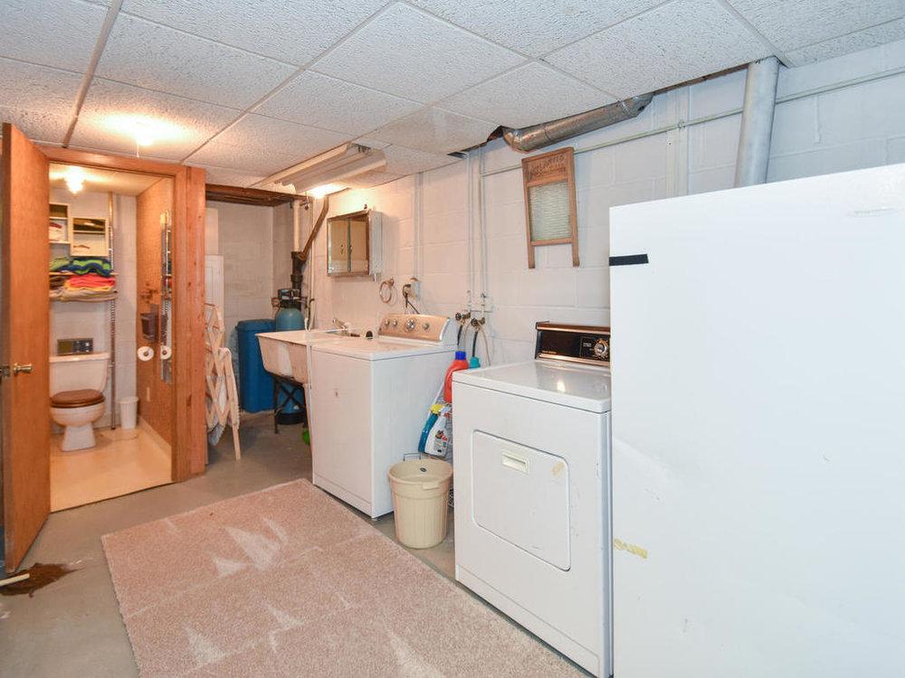 345 Oak Ave N Annandale MN-021-12-Laundry-MLS_Size.jpg