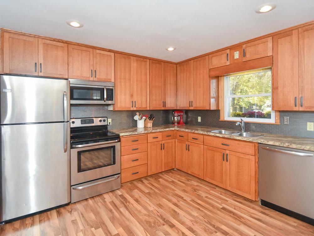 345 Oak Ave N Annandale MN-010-8-Kitchen-MLS_Size.jpg