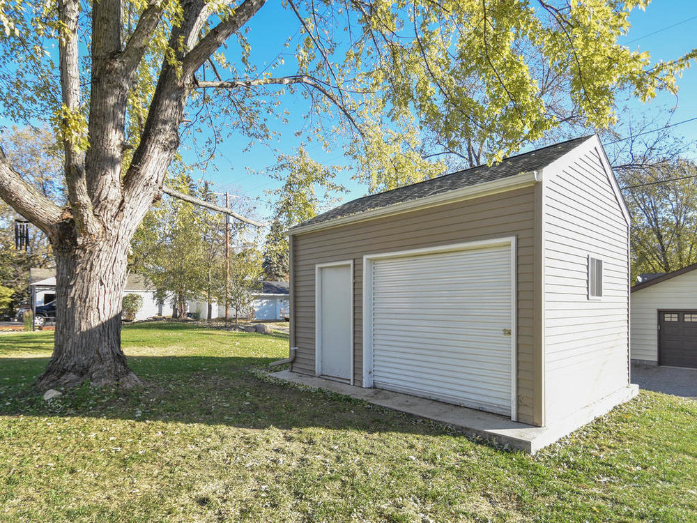 345 Oak Ave N Annandale MN-004-20-Shed-MLS_Size.jpg