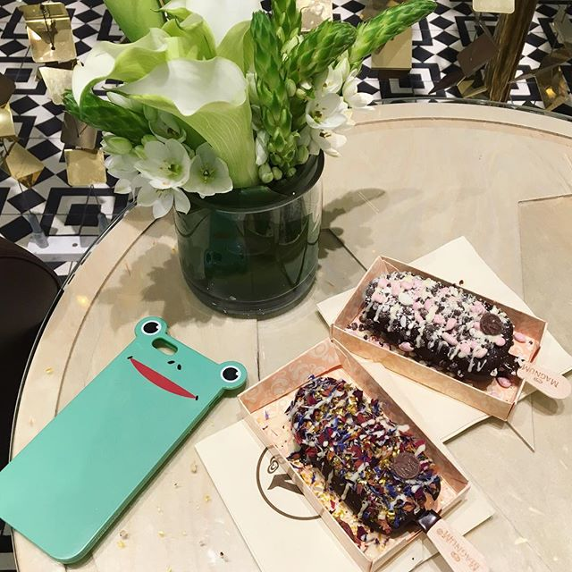Best weekends start with icecream! 🐸🍦🌿 . . . . . #anicase #iphonecase #frog #magnumnyc #newyork #magnumpopupstore #soho #weekend #happyweekend #icecream #summer #diyicecream #instafood