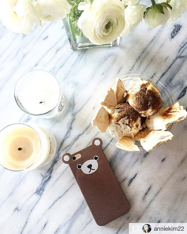Another 90+ degree day in NYC 🔥☀ Start the weekend with some icecream! 🍦🍦🍦 #anicase #iphonecase #bear #icecream #dessert #nyc #iceandvice #les #weekend #friday #summerfridays #summerisending #🍦 #🐻 #📱 #almostlabordayweekend  http://anicase.com/shop/bear