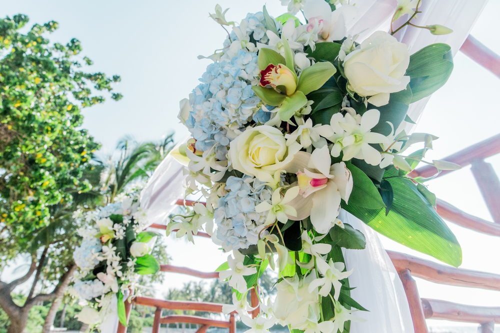 Floral design by   Ainahua Florals