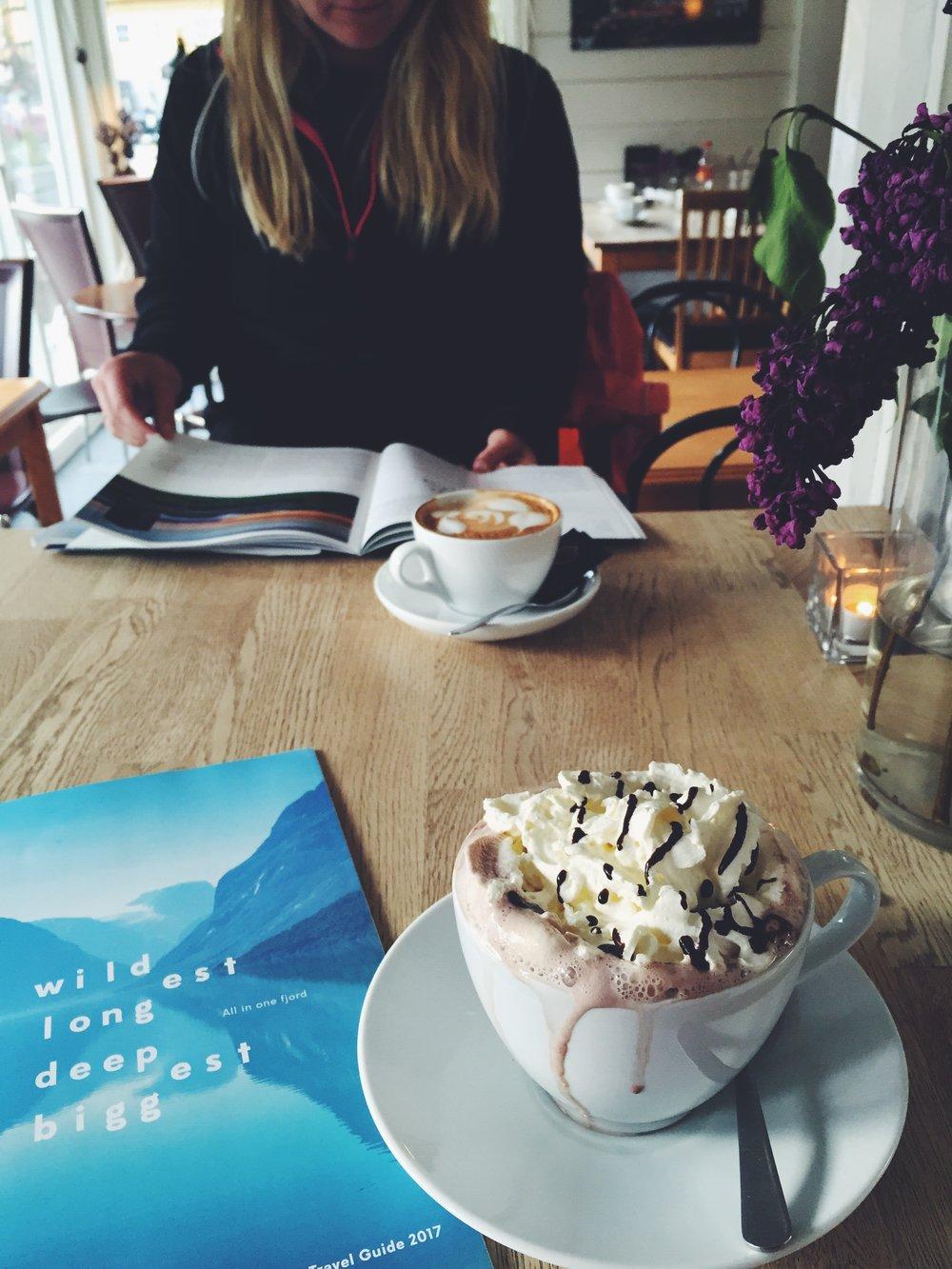 Cofee and hot chocolate at Kaffebar & Vertshus in Stryn, Norway.