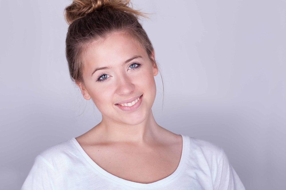 Magda-6991(web).jpg