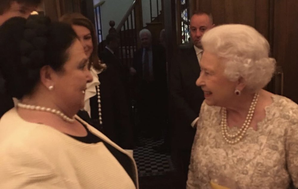 HM Queen Elizabeth II and HIH Grand Duchess Maria Vladimirovna of Russia chat at the Ivy, London. (Image from Facebook)