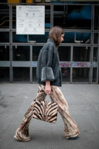Velvet pants: paired with animal print
