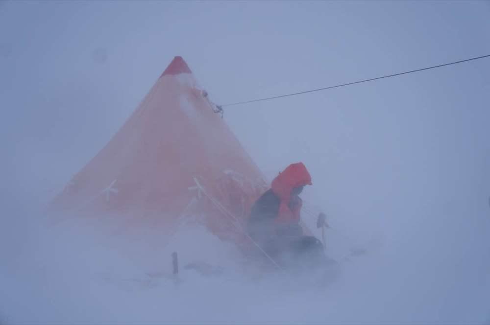 blizzard antarctica.jpg