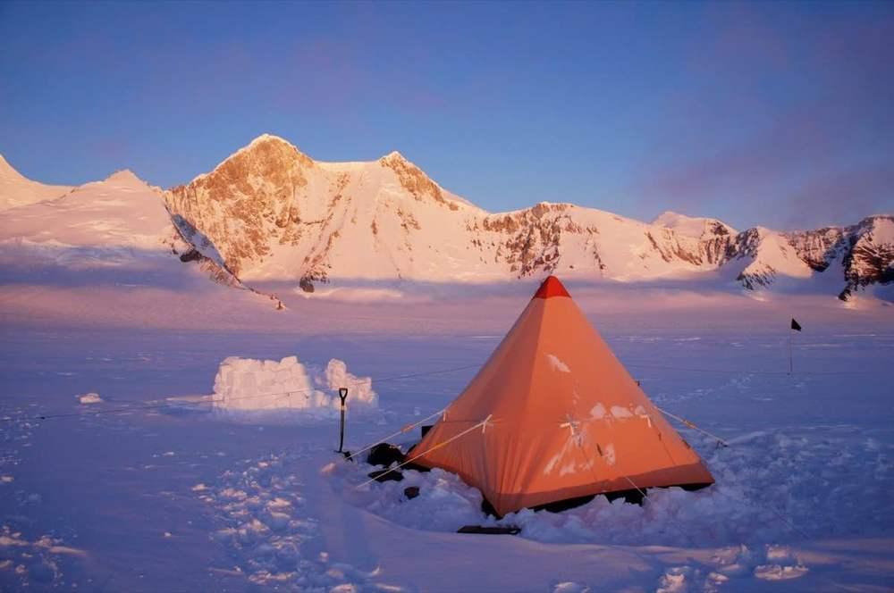 Orange tent in the snow.jpg