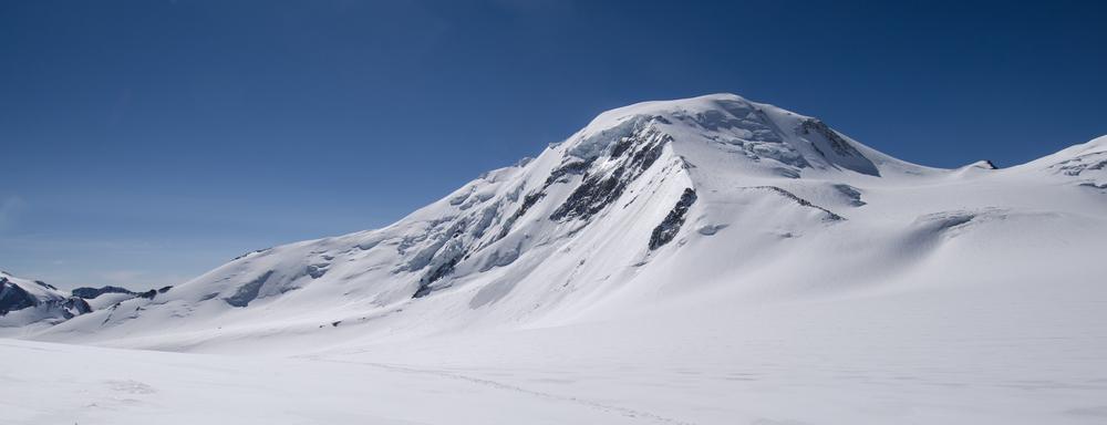 Mount Khuiten