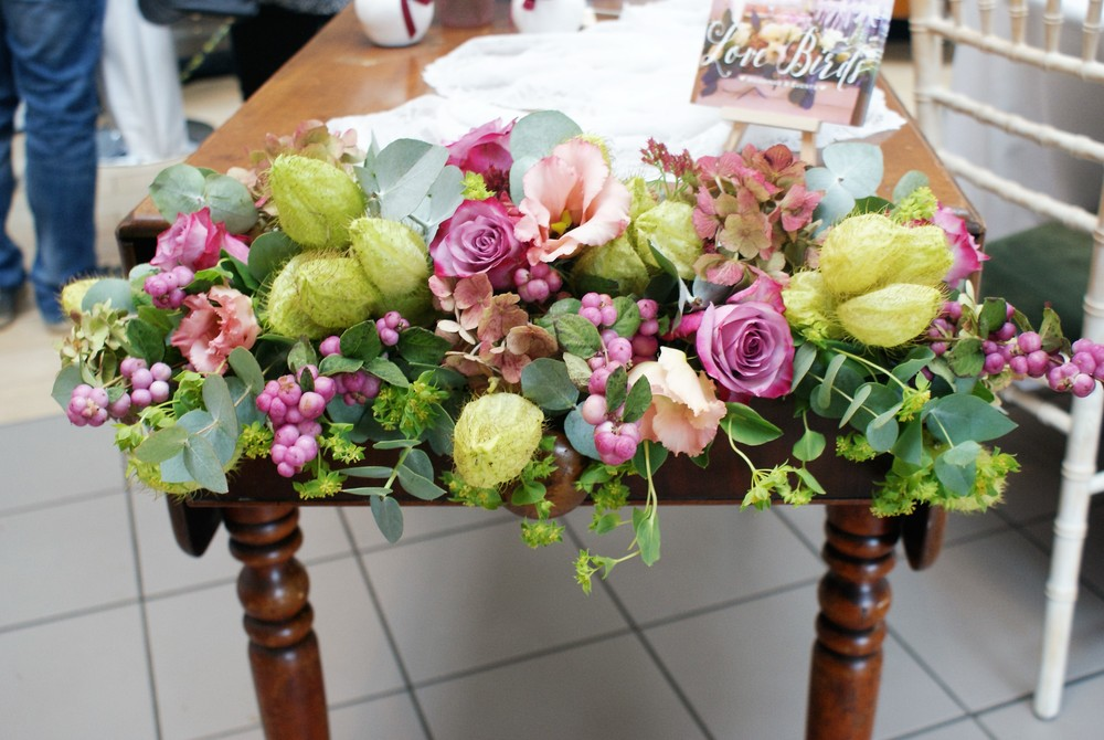 Vintage table floral decoration