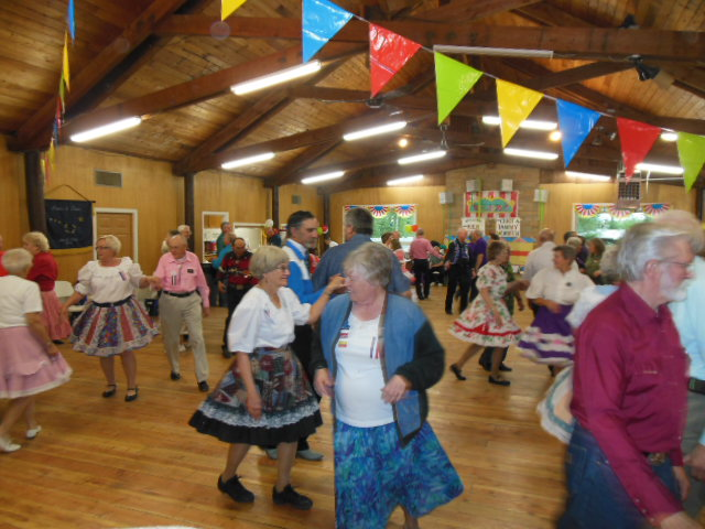 Learn To Square Dance 6.JPG