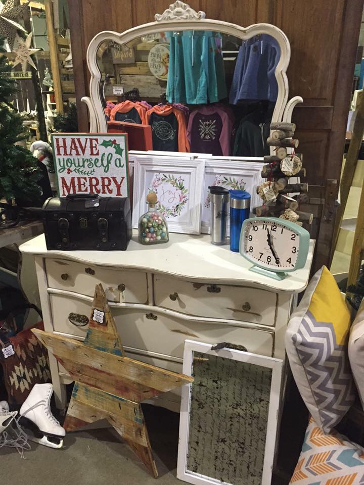 COMMUNITY - Bring Mom To The Alaska Chicks Co. Vintage Home Market Show! 1.jpg