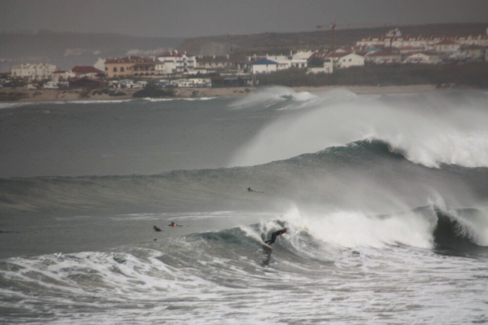 Peniche waves