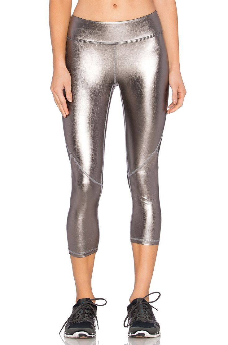 ALALA Crop Tight leggings