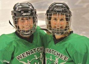 women hockey.jpg