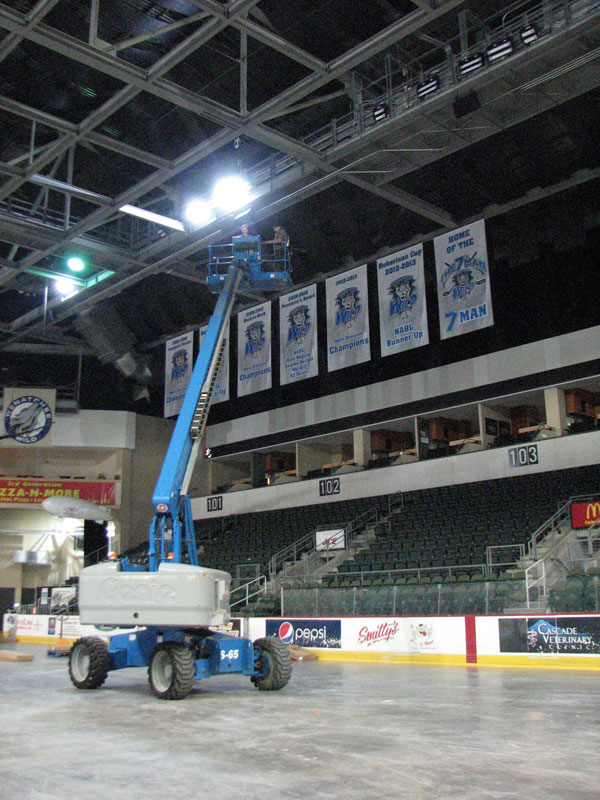 Amazing Fans Of Wenatchee Wild Hockey, The Roughstock Rodeo And Rockinu0027 Rock  Concerts: Town Toyota Center Has Just Installed Gorgeous White And Colored  Lights To ...