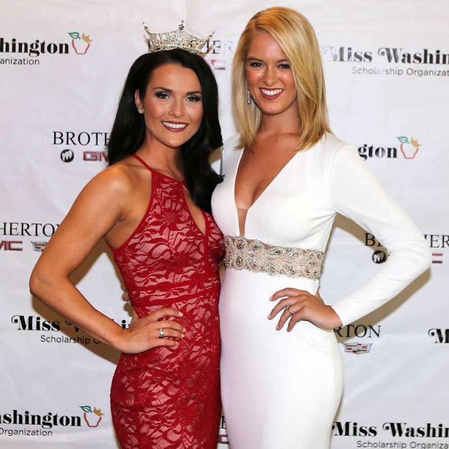 2016 Miss Washington, Alicia Cooper (L)  2016 Miss East Cascades, Brianna Eddy (R)