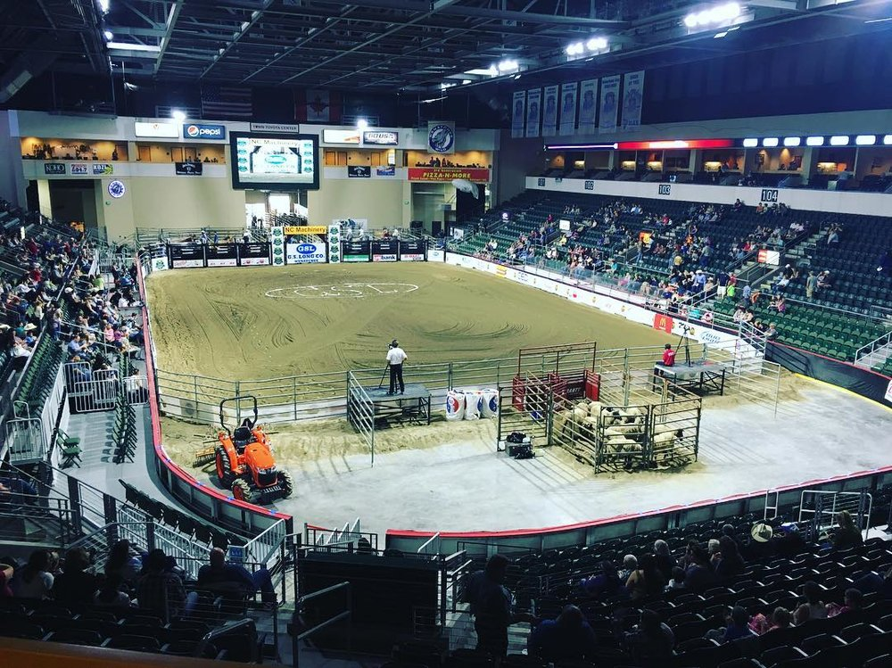 Nine minutes until the rodeo begins! #towntoyotacenter #rodeo #ncwlove #ttc #Wenatchee