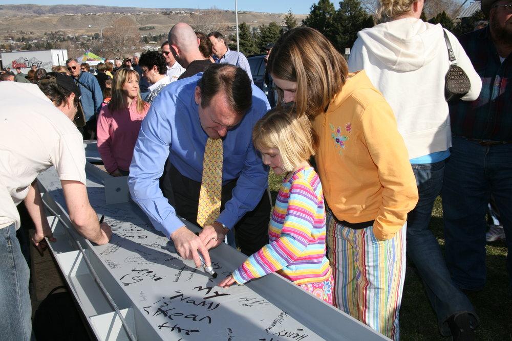 Signing Ceremony 1 012.jpg