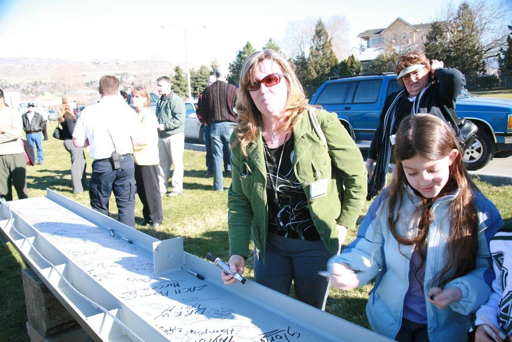 Signing Ceremony 2 117.jpg