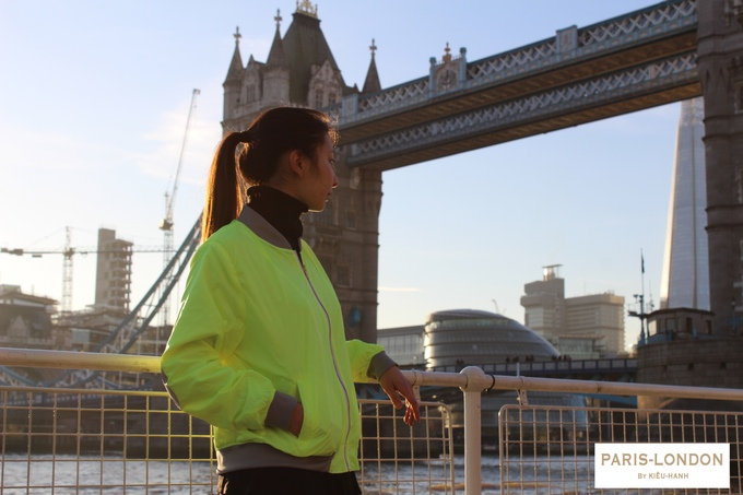 The ideal reflective, lightweight and wicking jacket for your morning run