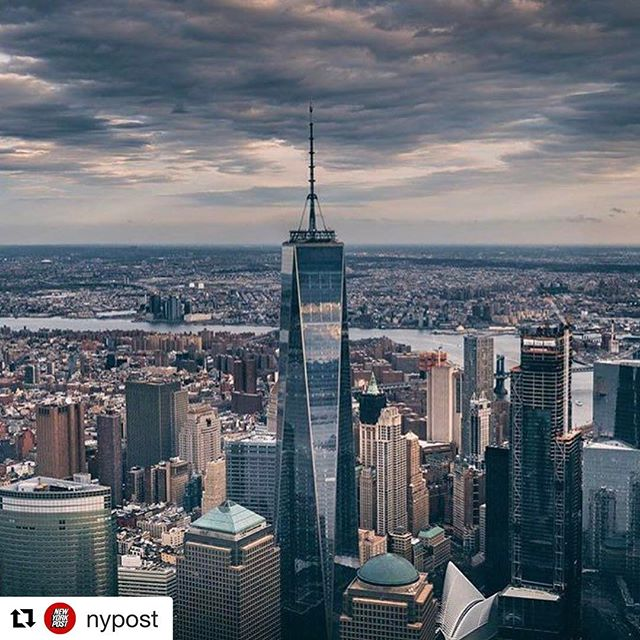Rainy days in our city🗽🗽 🌧🌧#propertymanagement #nyc #nyrealtors #nybrokers #nyfood @repostapp ・・・ Stormy day in the big 🍎🌨 (Photo by @amir.ag) Share your #NYC snapshots with #nypostnyc!