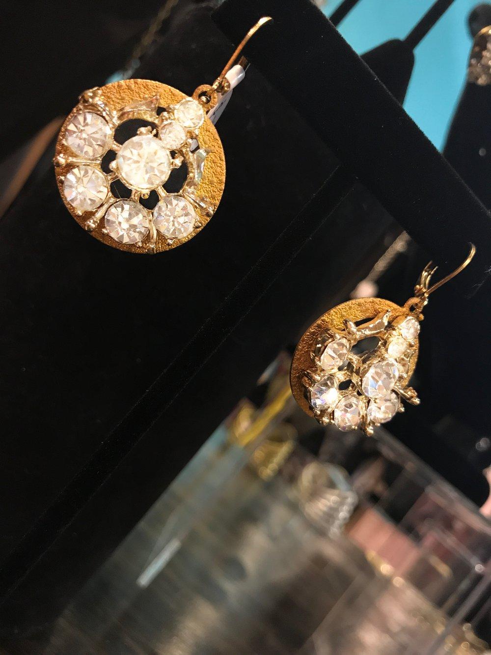 gold and diamonds earr.JPG