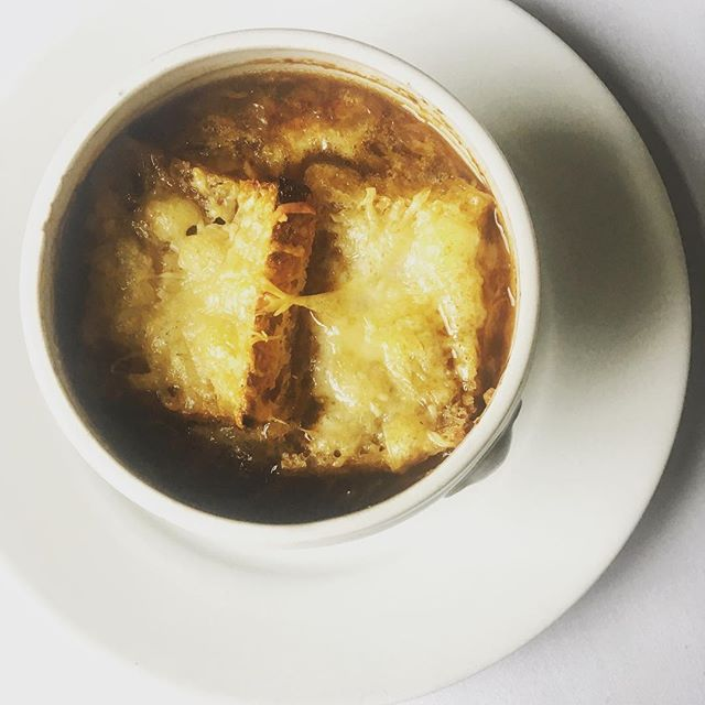 Perfect to keep the chills at bay on a cold day! Our new French onion soup with gruyere croutons will warm you up nicely! #woollahra #walkinswelcome #frenchcuisine