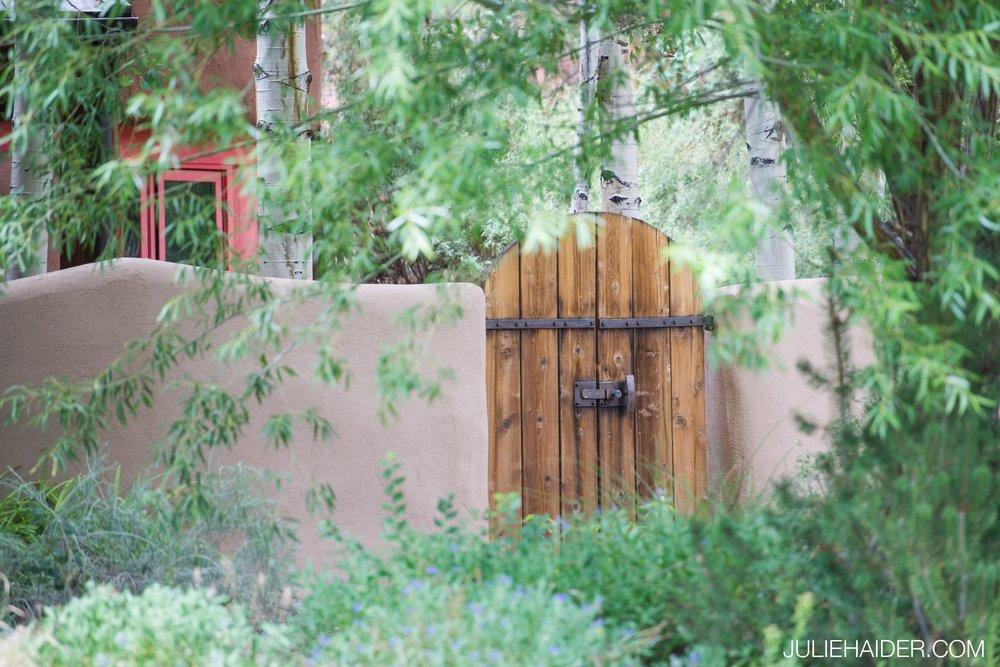 El-Monte-Sagrado-Summer-Intimate-Wedding-Taos-New-Mexico-001.jpg