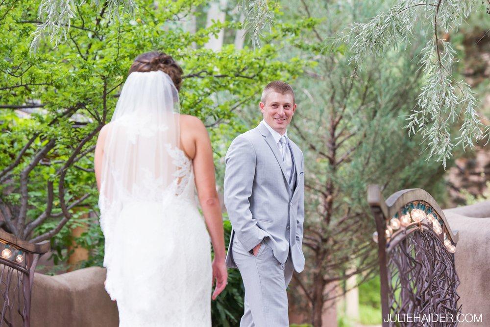 El-Monte-Sagrado-Summer-Intimate-Wedding-Taos-New-Mexico-019.jpg