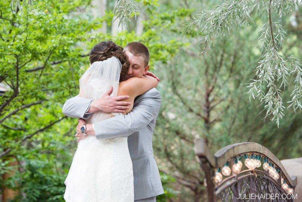 El-Monte-Sagrado-Summer-Intimate-Wedding-Taos-New-Mexico-020.jpg