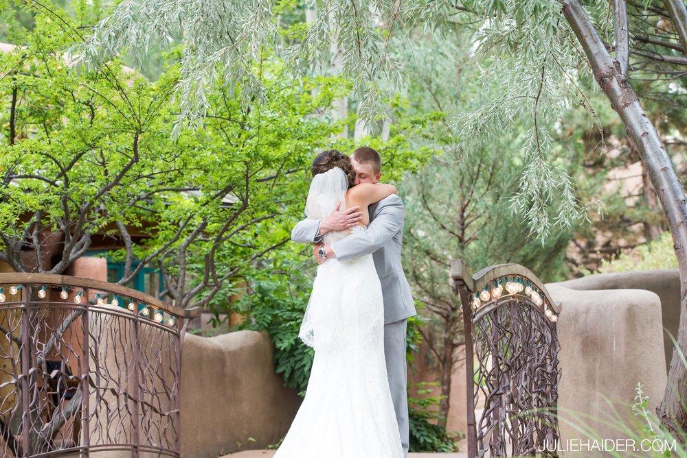 El-Monte-Sagrado-Summer-Intimate-Wedding-Taos-New-Mexico-021.jpg