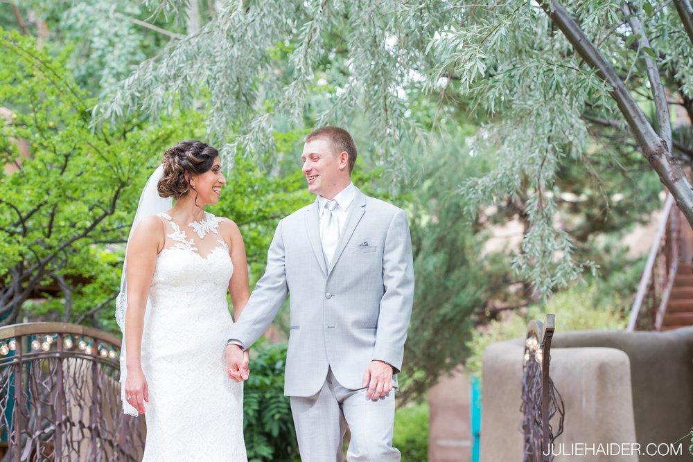 El-Monte-Sagrado-Summer-Intimate-Wedding-Taos-New-Mexico-023.jpg