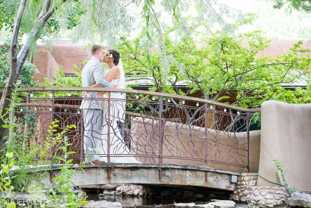 El-Monte-Sagrado-Summer-Intimate-Wedding-Taos-New-Mexico-025.jpg