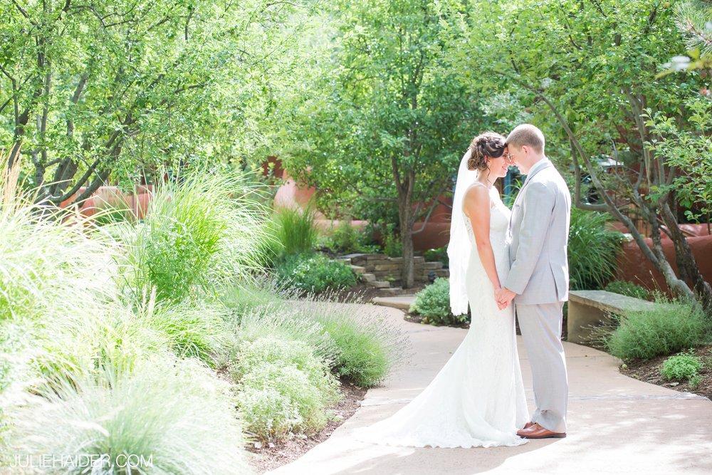 El-Monte-Sagrado-Summer-Intimate-Wedding-Taos-New-Mexico-026.jpg