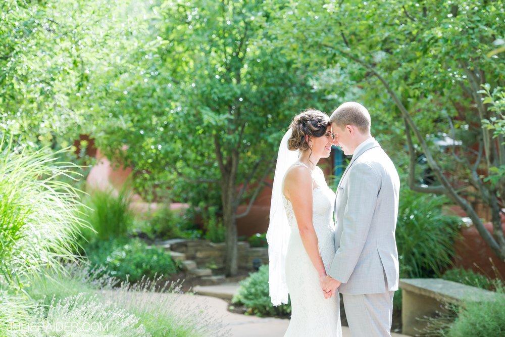 El-Monte-Sagrado-Summer-Intimate-Wedding-Taos-New-Mexico-027.jpg