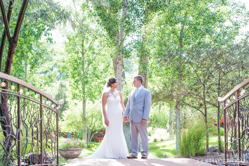 El-Monte-Sagrado-Summer-Intimate-Wedding-Taos-New-Mexico-033.jpg