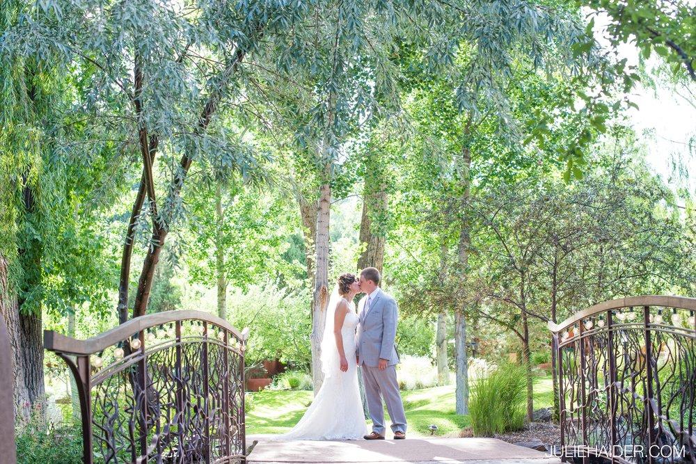 El-Monte-Sagrado-Summer-Intimate-Wedding-Taos-New-Mexico-036.jpg
