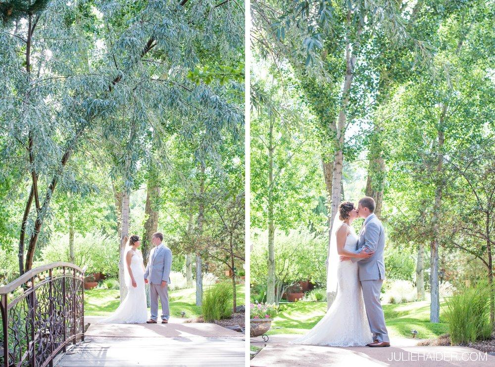 El-Monte-Sagrado-Summer-Intimate-Wedding-Taos-New-Mexico-034.jpg