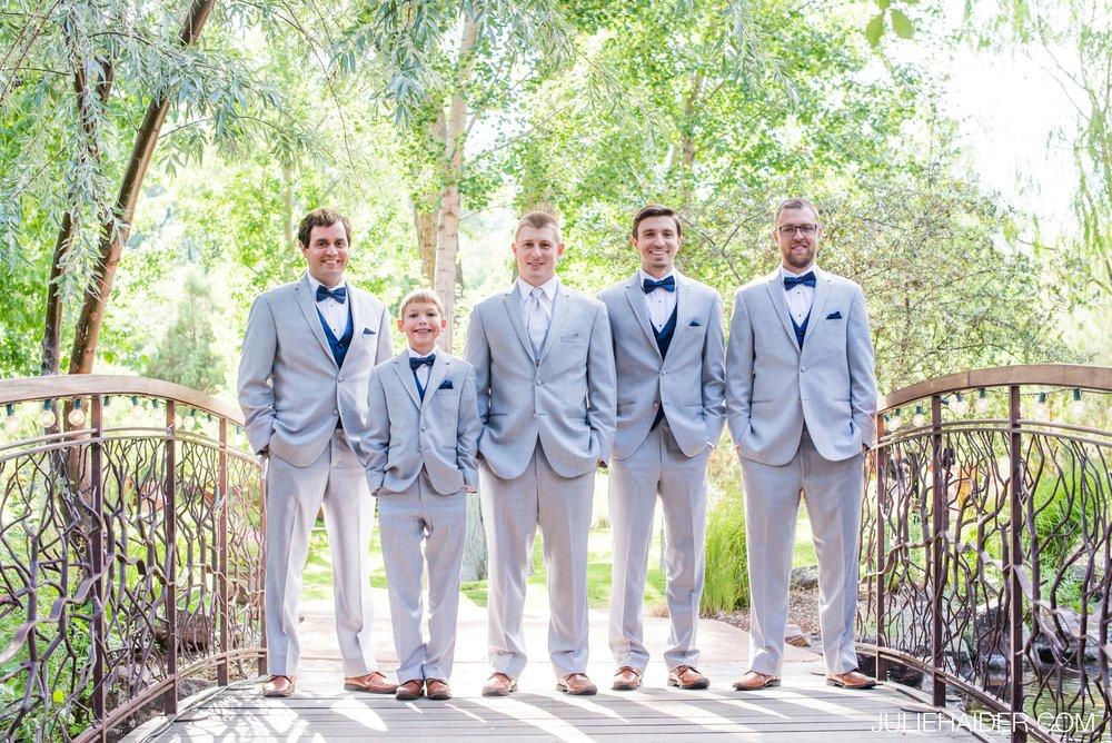 El-Monte-Sagrado-Summer-Intimate-Wedding-Taos-New-Mexico-040.jpg