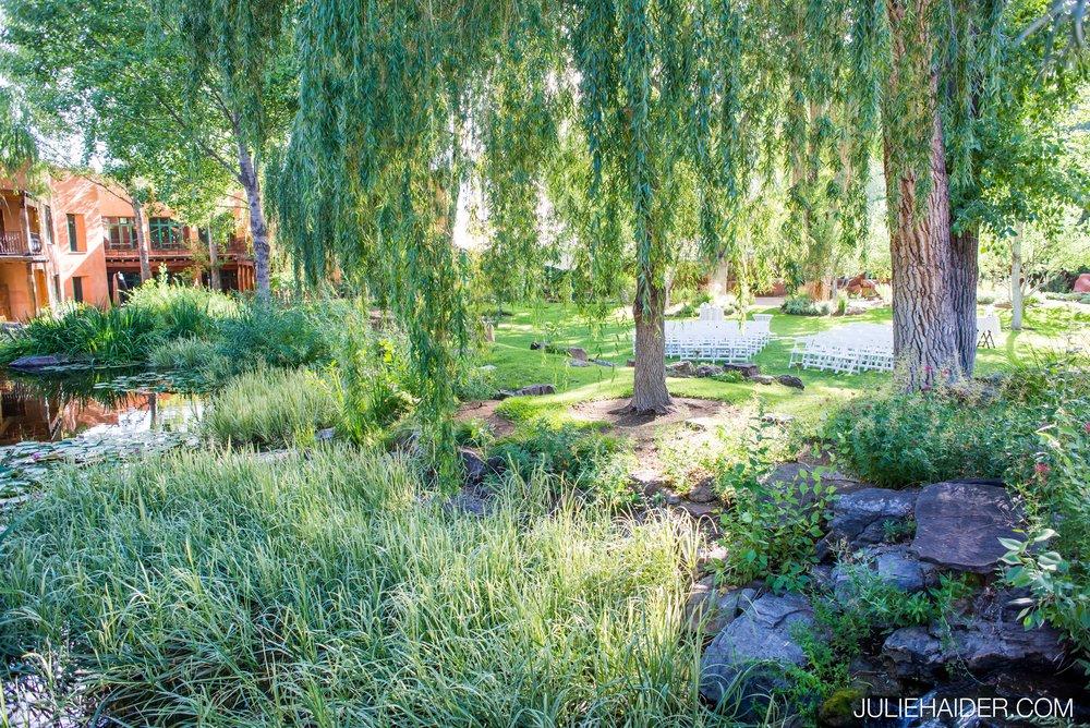 El-Monte-Sagrado-Summer-Intimate-Wedding-Taos-New-Mexico-046.jpg
