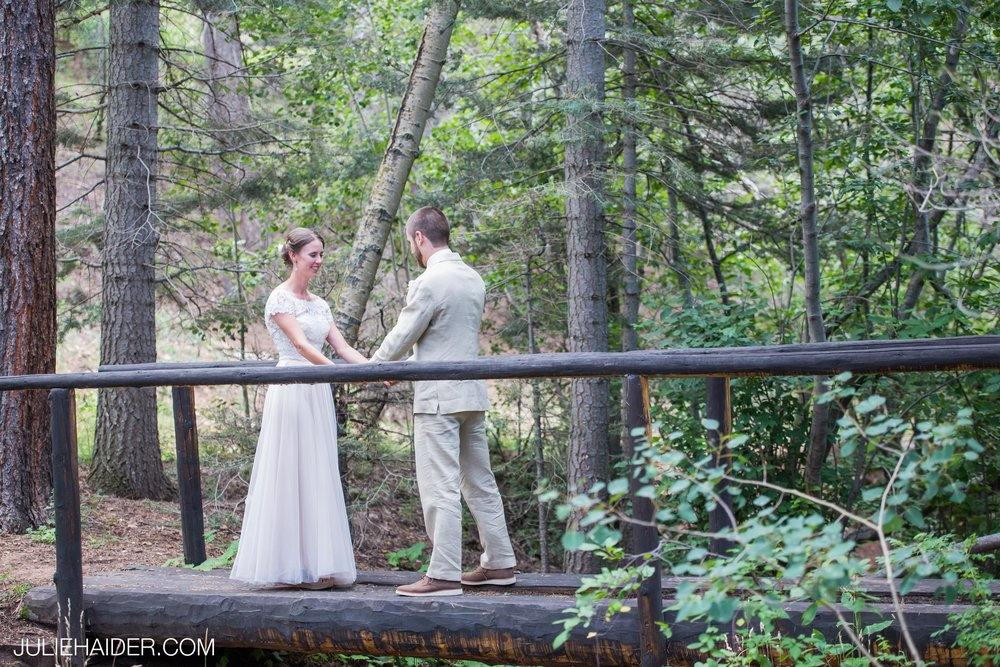 Hyde-State-Park-Santa-Fe-Rustic-Lodge-Mountains-Woodsy-Outdoor-Wedding-020.jpg