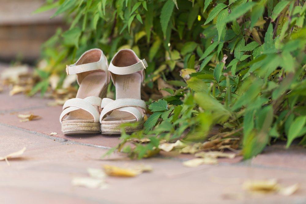 La-Mesita-Ranch-Wedding-Santa-Fe-New-Mexico-Fall-Outdoor-Ceremony-Under-Tree_2.jpg