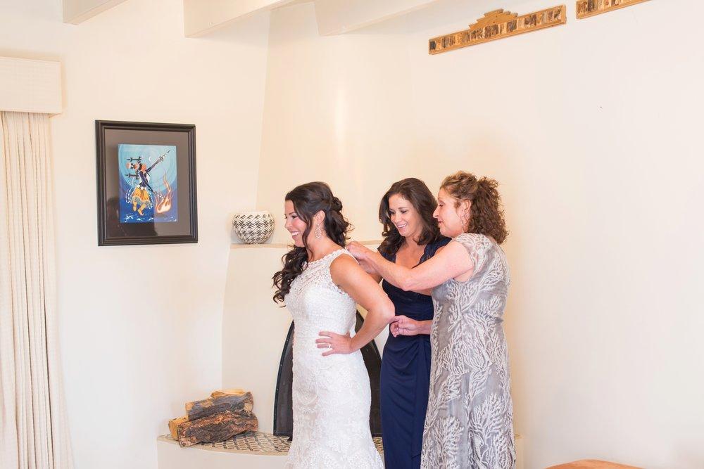 La-Mesita-Ranch-Wedding-Santa-Fe-New-Mexico-Fall-Outdoor-Ceremony-Under-Tree_11.jpg