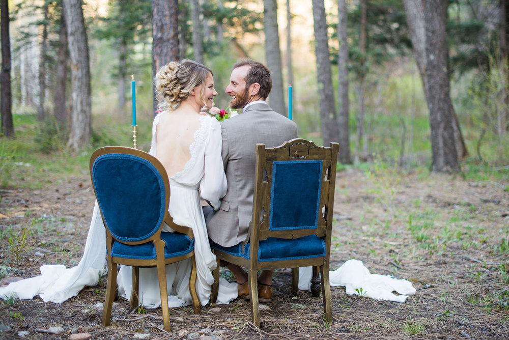 Woodsy New Mexico Elopement Sweetheart Table