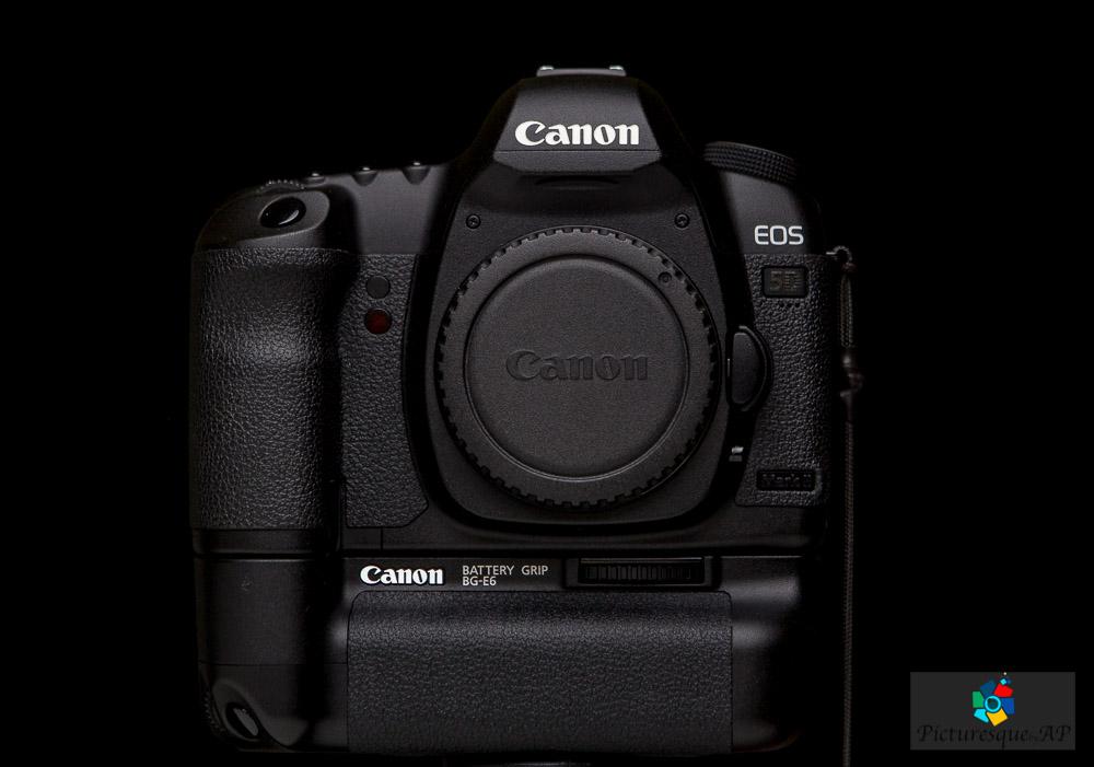 IMAGE: https://static1.squarespace.com/static/55dbb107e4b026295d1d1288/5678ad46dc5cb4407db4f13d/56b2f373ab48de5330181325/1454574954444/Product-Photography-2620.jpg?format=1500w