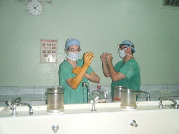 ob/gyn resident scrubbing in
