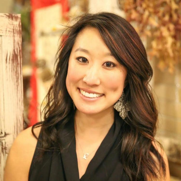 Joyce Parks, MD - Teawithmd.com - career profile - love and the sky - dermatology resident - beauty blogger