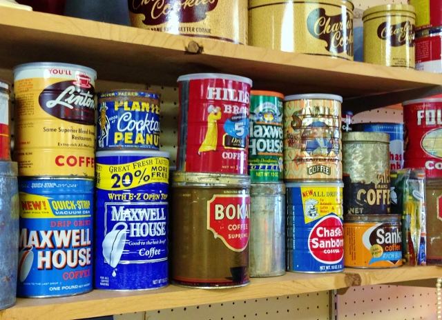 Vintage Coffee Can Planters via Leslie Reese (2)