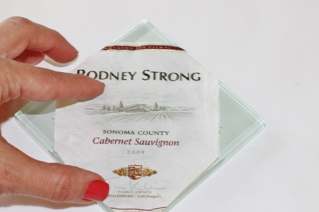 Wine Label Coaster DIY via Leslie Reese (7)